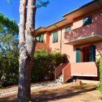 Castiglioncello. Appartamento Terra/Tetto indipendente con bella vista mare. a 57016 Castiglioncello LI, Italia per 260000