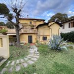 Castiglioncello. Appartamento centralissimo con ampio giardino. a 57016 Castiglioncello LI, Italia per Trattativa riservata